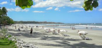 Tamarindo Bay Beach (courtesy Tamarindo Diria.com)