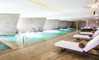 hydrotherapy lounge at the Grand Velas Los Cabos